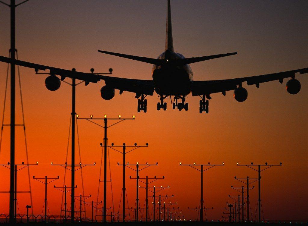 Governo e trasporto aereo: nella delega la limitazione dei low cost