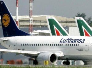 Lufthansa: i privilegi dei dipendenti Alitalia ostacolano l'acquisizione