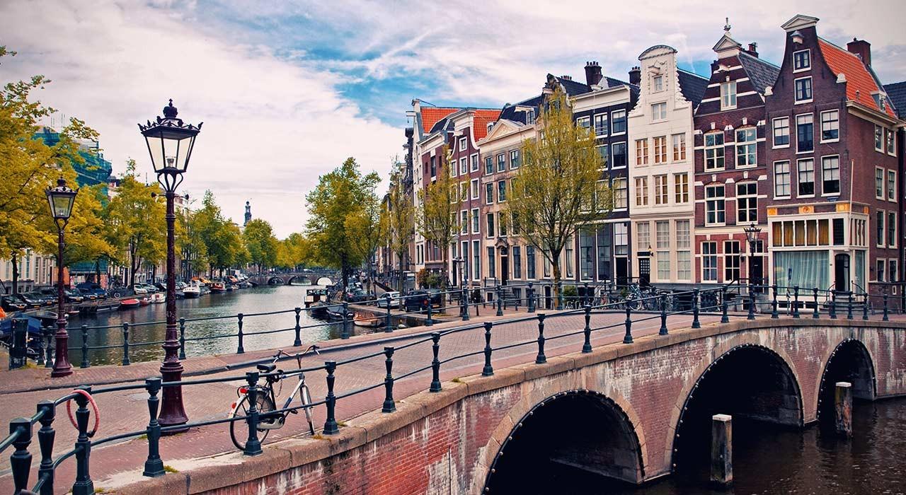 Federalberghi: Amsterdam punisce gli irregolari di Airbnb
