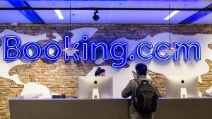 Da Ota a to online: Booking.com ingloba anche i voli