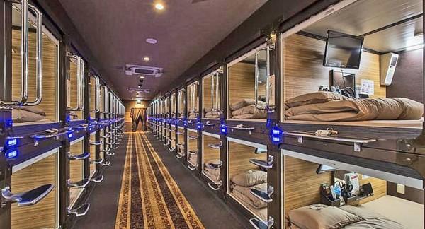 Arriva all 39 aeroporto di napoli il primo capsule hotel d 39 italia for Primo hotel in cabina