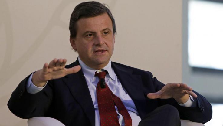 Calenda su Alitalia: «L'offerta migliorativa è quella di Lufthansa»