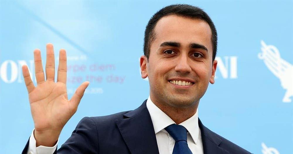 Di Maio: «Bene Fs. Ma Alitalia ha bisogno di uno o più partner industriali»