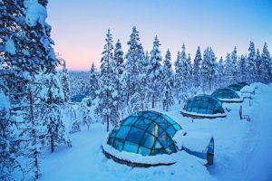 Finlandia, hotel di vetro per ammirare l'aurora boreale