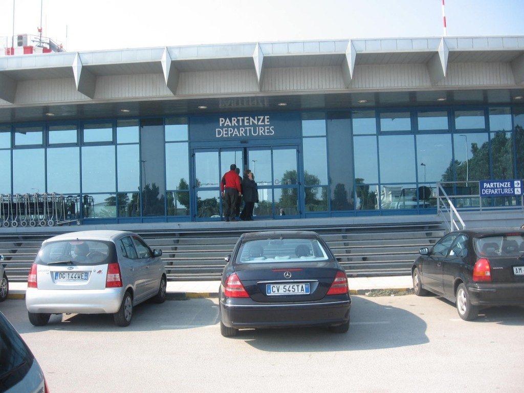 Aeroporto di Foggia, avviati i lavori per prolungamento della pista