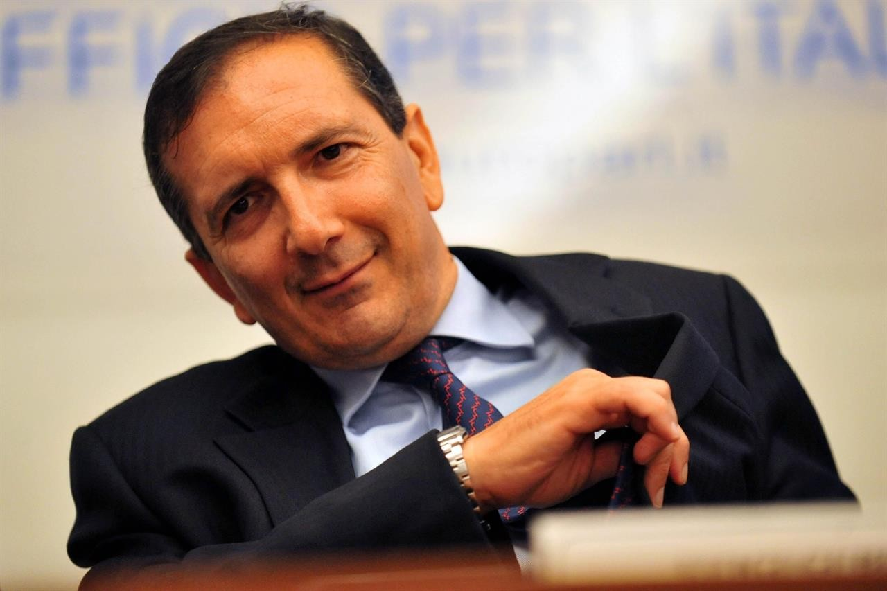 Alitalia: i tre commissari e il prestito ponte da 600 milioni