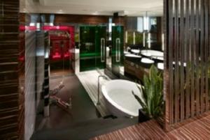 Al Romeo Hotel di Napoli, aperte 3 Wellness Room con bagni da sogno