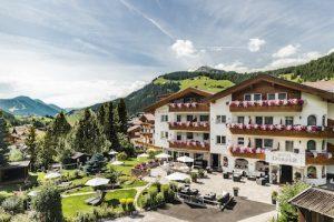 Hotel Dorfer Alpine & Charming, a Selva di Val Gardena: l'accoglienza della Famiglia Fistill – Platzgummer
