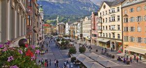 Eventi e proposte a Innsbruck per una vacanza tra montagna e città