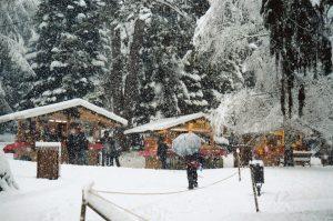 Levico Terme: nel parco del Grand Hotel Imperial, il mercatino di Natale