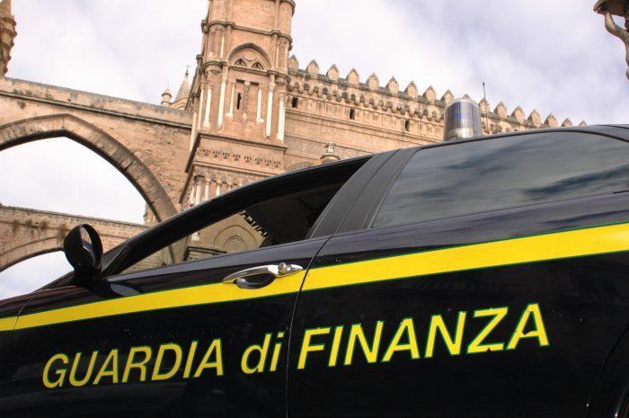 La Finanza in Confcommercio Roma. L'accusa: truffa ai danni dello Stato