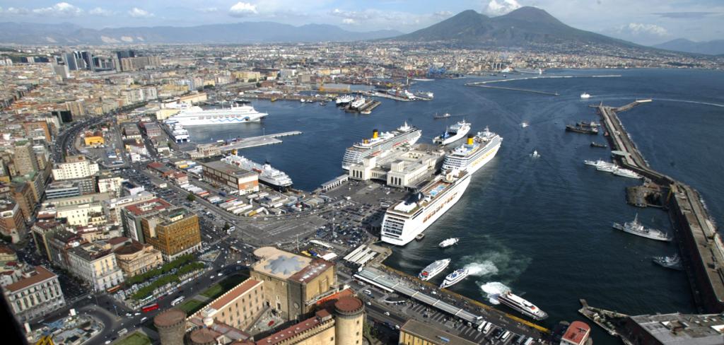 Napoli, le compagnie di crociere puntano su nuovi itinerari per il 2019