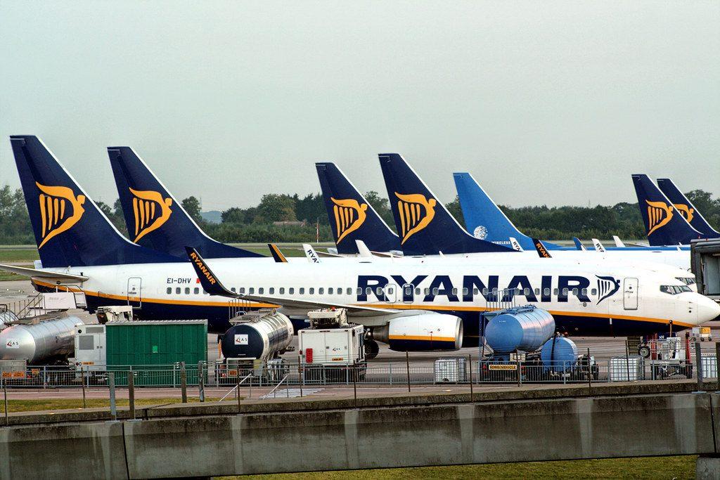 Ryanair cambia strategia e  taglia 3 mila posti di lavori