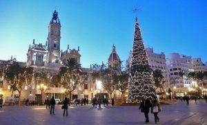 Valencia in festa tra cori natalizi e spettacoli circensi