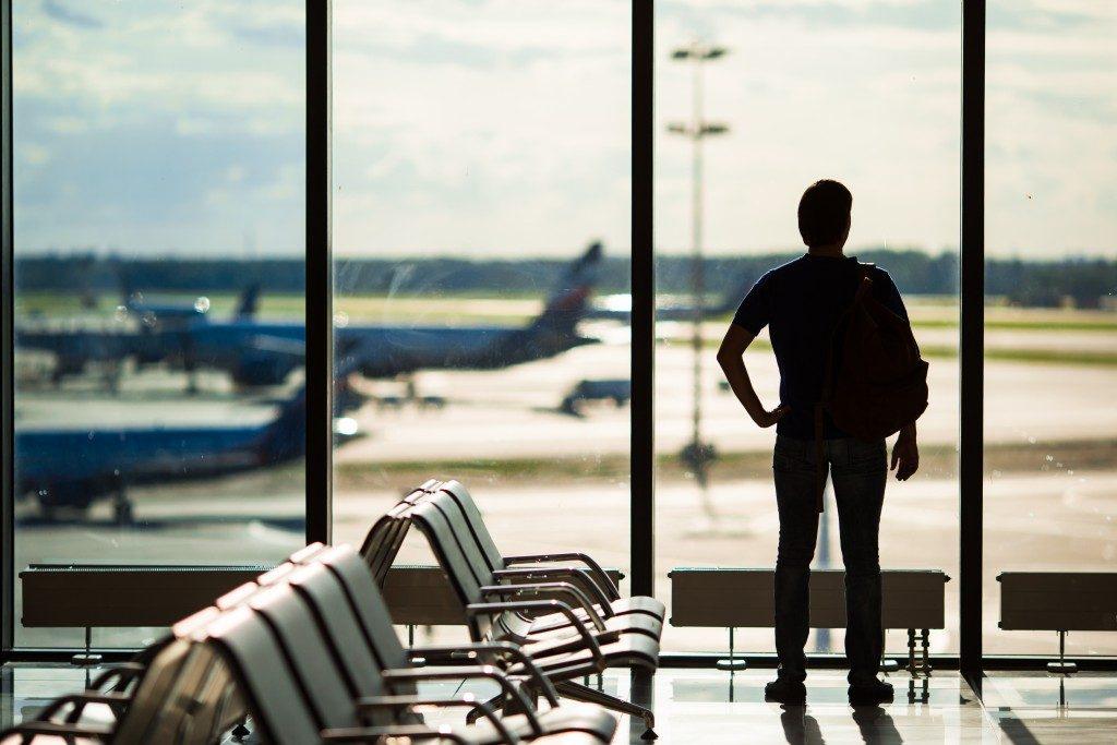 Le compagnie aeree non stanno versando i rimborsi per avere liquidità