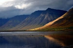 Vie del Nord propone due tour di gruppo per l'Islanda con voli diretti