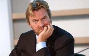 Bocca: «La von der Leyen sbaglia. Spostate la data, ma prenotate»