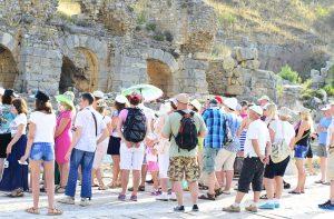 Le regioni del nord chiudono, le guide turistiche sono nel caos