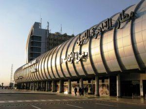 L'Egitto si chiude. Sospesi tutti i voli da oggi fino al 31 marzo