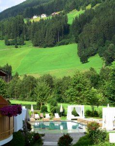 Valle Aurina, un'esperienza di forest bathing all'Alpenpalace Luxury Hideaway & Spa Retreat