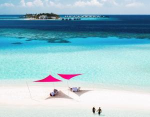 Maldive: prima struttura per Radisson hotel e nuove Collectable experiences per Lux Resorts & Hotels Maldives