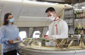 Emirates riattiva i servizi premium a bordo dell'A380, dalla Shower Spa alla Lounge