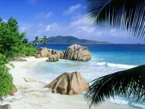 Seychelles aperte a tutti i turisti dal 25 marzo (escluso solo il Sudafrica)
