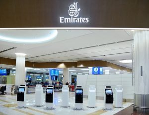 Emirates: viaggio sempre più contactless con i chioschi automatici per il check-in