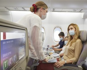 Emirates: nuova e più ampia copertura assicurativa contro il Covid-19
