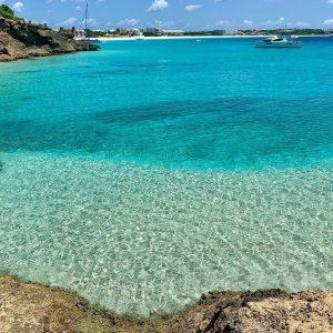 """Anguilla, il Quintessence Hotel riapre e accoglie i turisti sotto la """"bolla"""""""