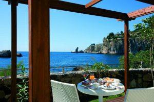 Ragosta Hotels si prepara alla ripartenza rinnovando le due strutture di Taormina e di Vietri sul Mare