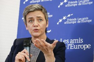Alitalia: i sindacati chiedono incontro con la commissaria ai trasporti Vestager