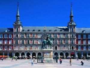 Spagna: crollo del 77% dei turisti stranieri. Attesa per la riapertura primaverile