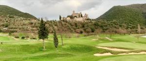 Antognolla, sostenibilità e autosufficienza per il resort di lusso nel cuore dell'Umbria