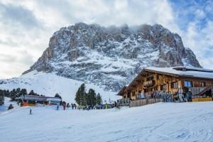 Regioni: il 18 gennaio si potrà riaprire allo sci in totale sicurezza