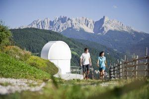 In Val d'Ega a veder le stelle, un'estate all'insegna di passeggiate notturne e sentieri planetari