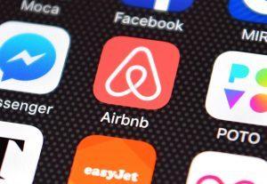 Airbnb: perdite nel quarto trimestre per 3,9 miliardi di dollari