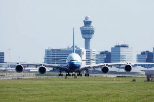 Trasporto aereo: la ripresa del 2023 passa da corto-medio raggio e viaggi leisure