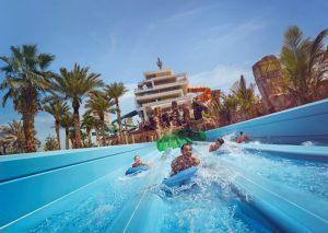 Emirates promuove l'estate a Dubai con l'ingresso gratuito all'Aquaventure Waterpark