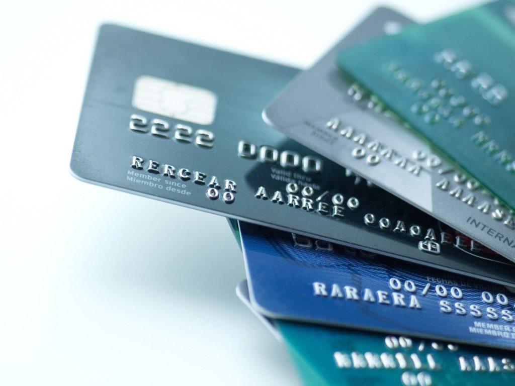 Mazzi: «Ridiscutere il sistema delle carte di credito. Erodono marginalità»