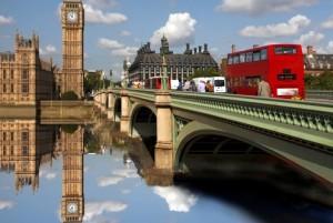 Il Regno Unito fa dietrofront: Londra non introdurrà il Green Pass