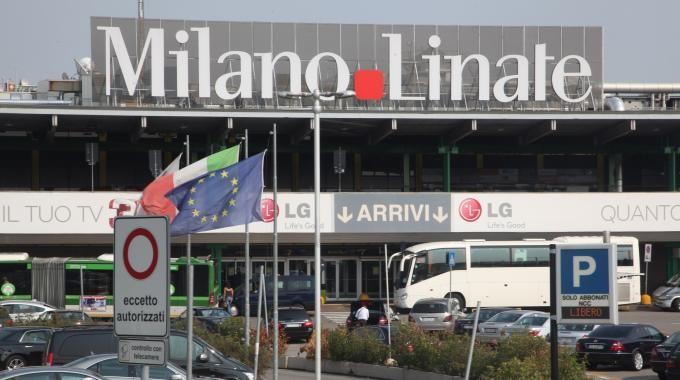 Le compagnie vendono voli da Linate. Ma Linate è chiuso