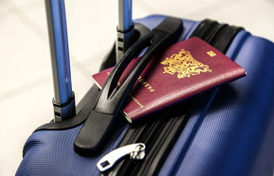 Passaporto vaccinale: timido sì dell'Ue, non sarà un requisito per viaggiare