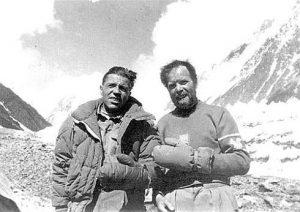 """Cortina d'Ampezzo ricorda Lacedelli, lo """"scoiattolo"""" che conquistò il K2"""