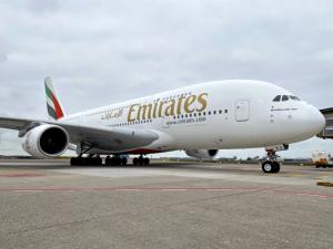 Emirates rilancia Dubai Connect, soggiorno gratuito a chi fa scalo a Dubai