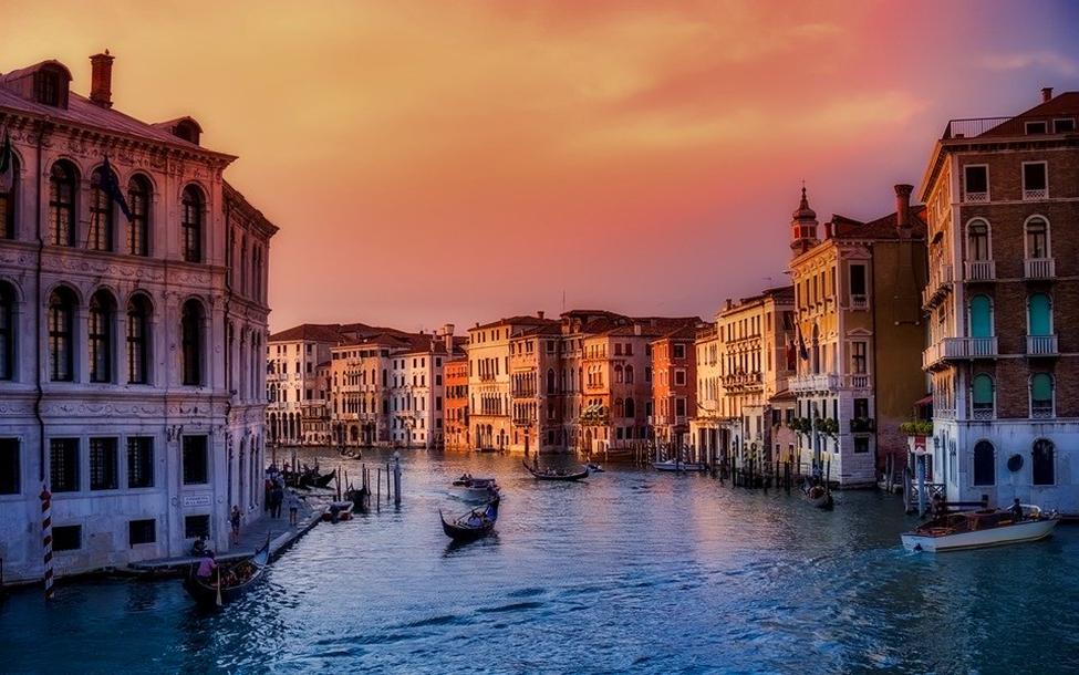 Venezia città a numero chiuso. App e tornelli per visitare la città